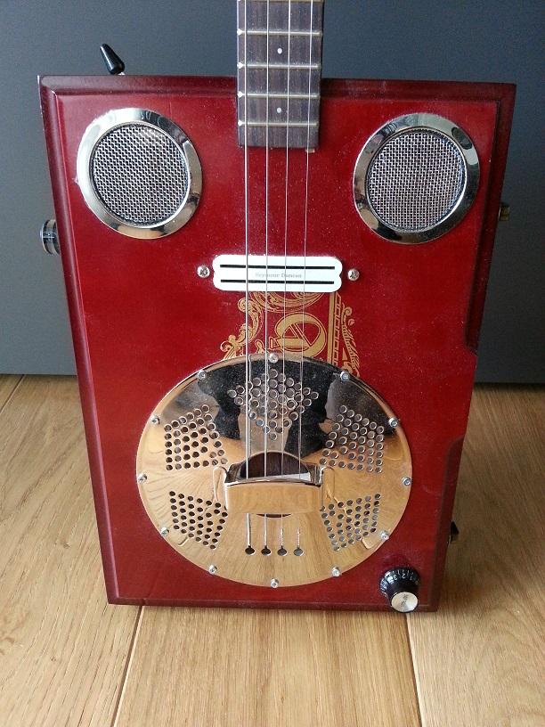 Dobro Resonator Cigar Box Guitar mit Seymour Duncan Humbucker