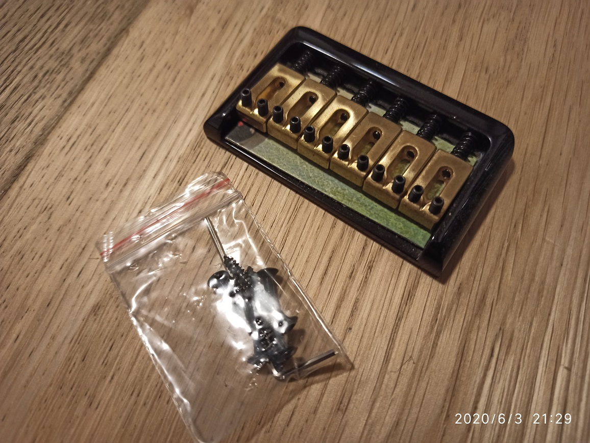 6 String Bridge Black Gold
