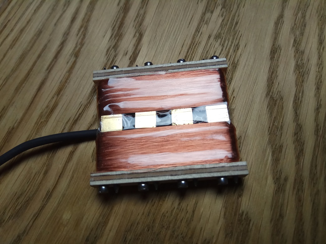 Quader Gold 4 String Nagel Humbucker
